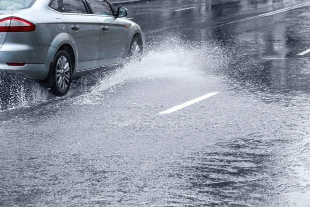 Drivers could be fined £5,000 for purposely splashing pedestrians