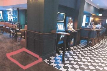 Bolton town centre pub allowed to have new gambling machine - Photo