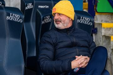 Keith Hill questions expectancy among Bolton supporters - Photo