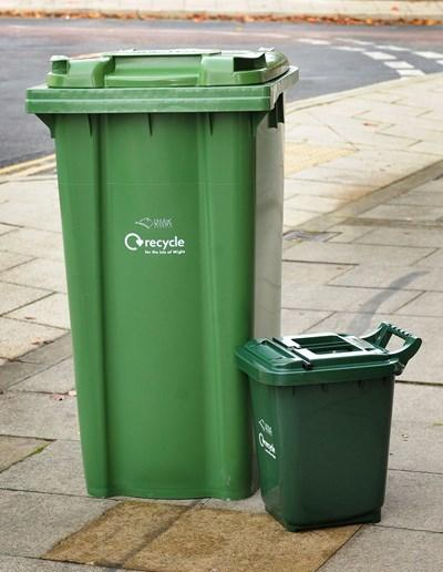 IW Council recycling bin