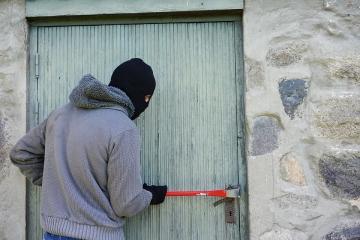 The 7 ways firms can avoid burglaries during coronavirus lockdown - Photo
