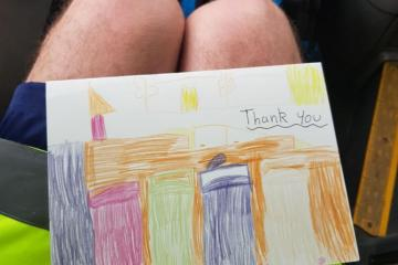Heartwarming cards leave bin men smiling - Photo