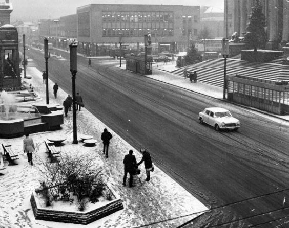 The Bolton News: How Victoria Square looked in the Big Freeze of December 1962
