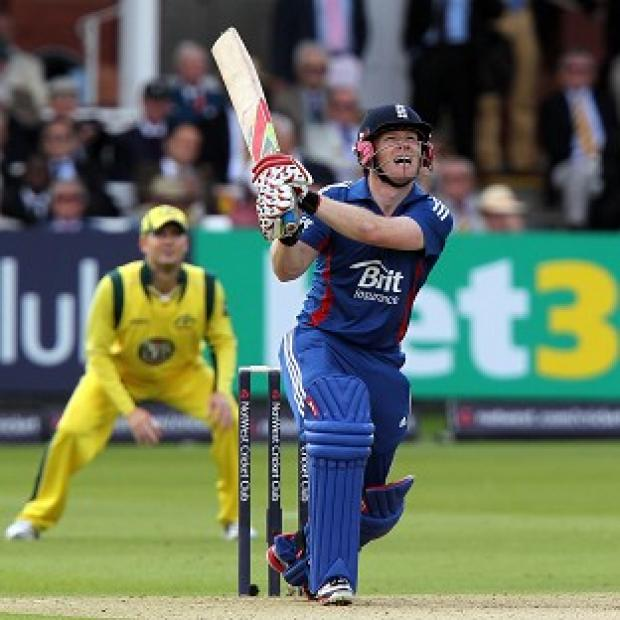 Eoin Morgan's unbeaten 89 helped England post a total of 272/5