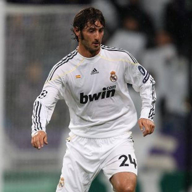 Esteban Granero has completed his move from Real Madrid to QPR