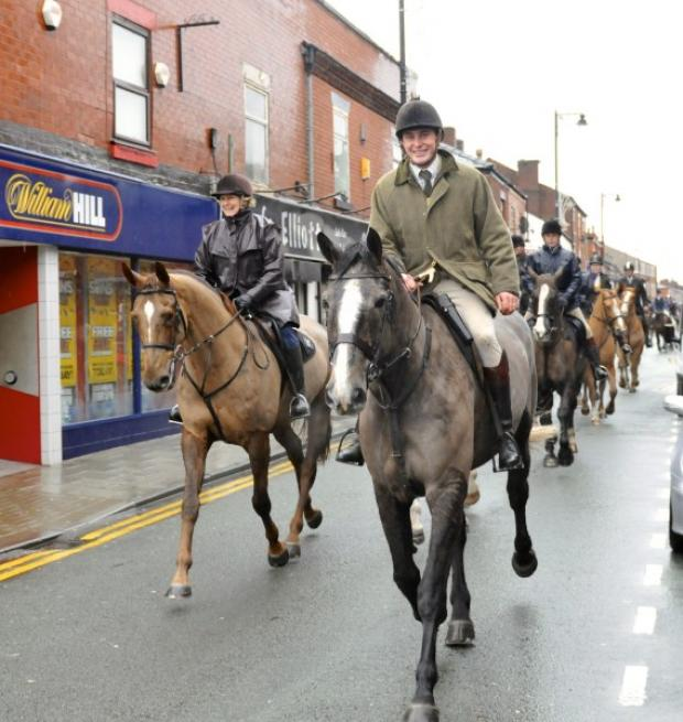 The hunt rides through Tyldesley