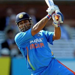 MS Dhoni is not considering giving up India's one-day captaincy