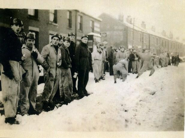 Snow clearing in Leigh Road, Leigh in the early 1950s