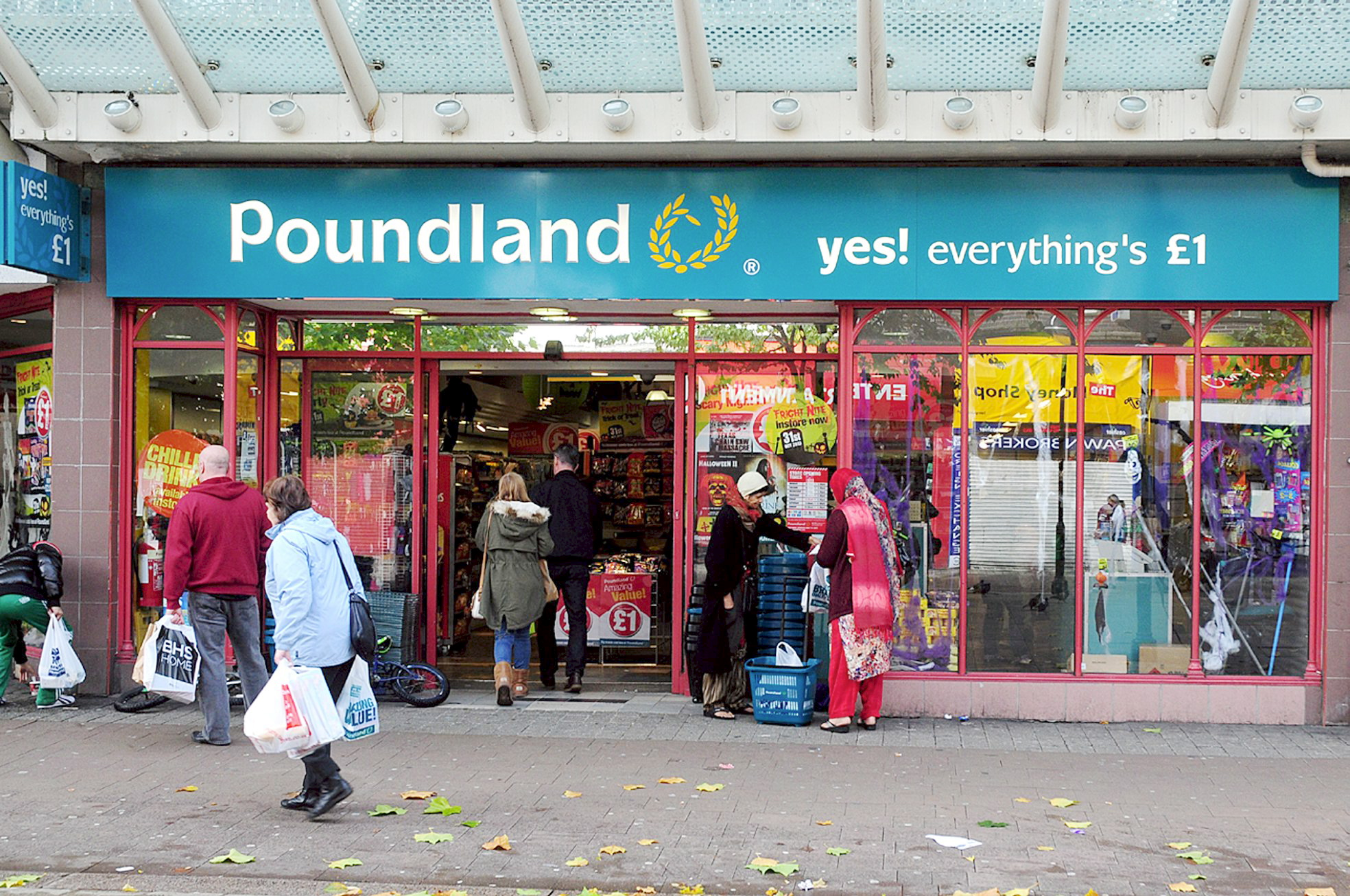 New Poundland to open in Victoria Square next month