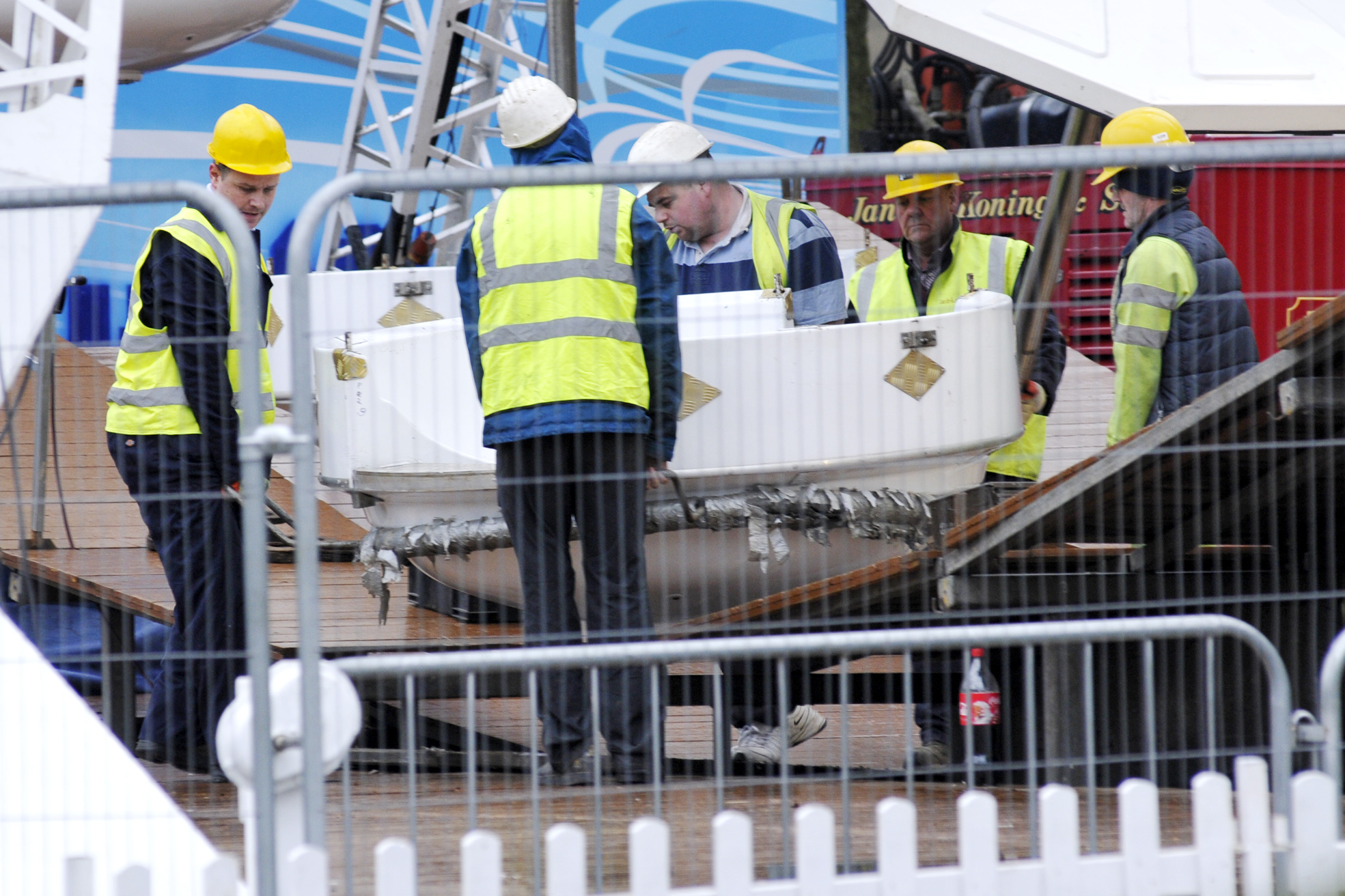 Work starts dismantling giant ferris wheel in Bolton town centre
