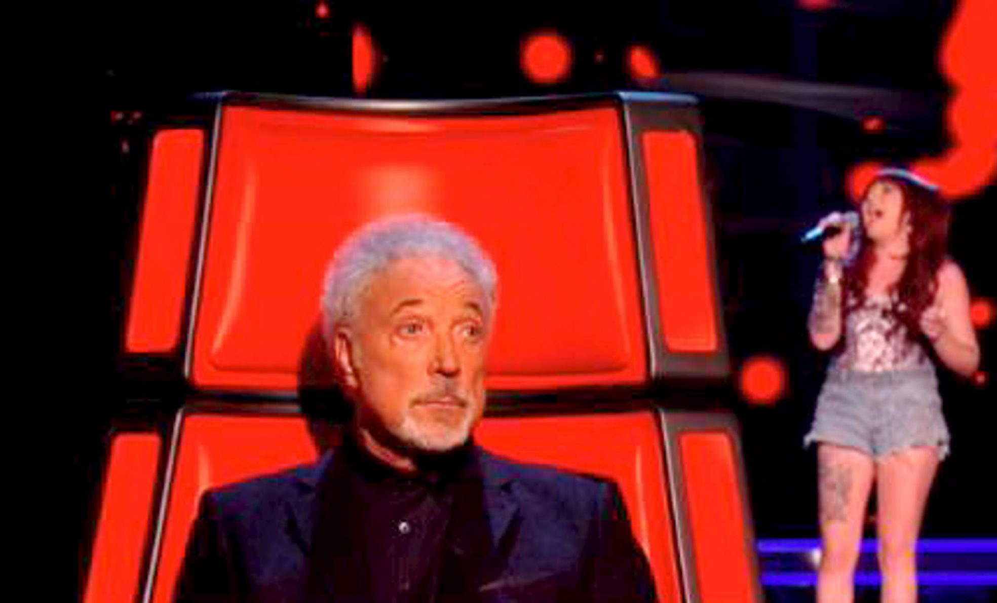 Vicky Jones impresses Tom Jones on The Voice