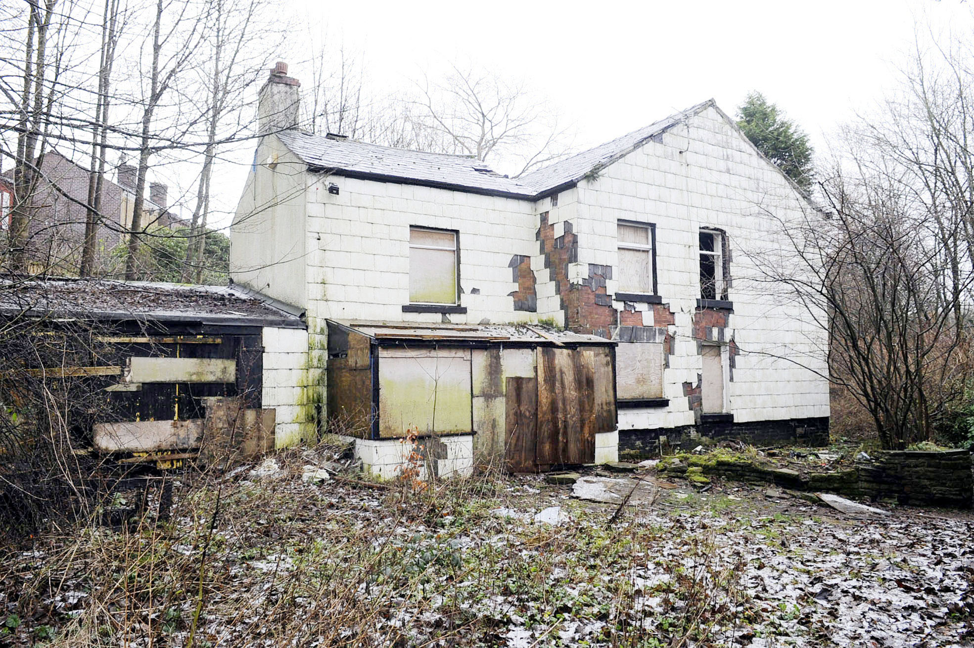 Oliver Cromwell's civil war HQ in Smithills wrecked by vandals