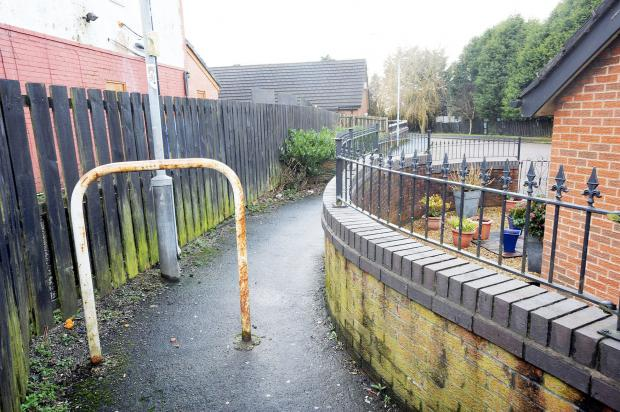 The alleyway where a teenager was slashed with knife by gang of four robbers in Westhoughton
