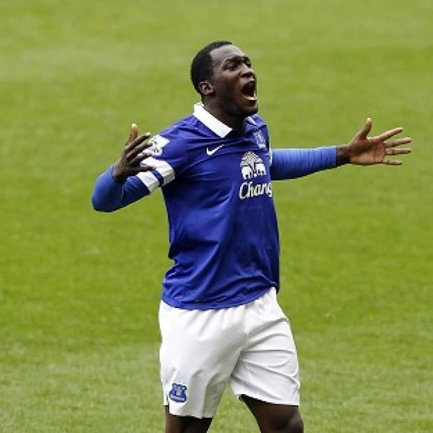 The Bolton News: Everton's Romelu Lukaku scored his side's second goal