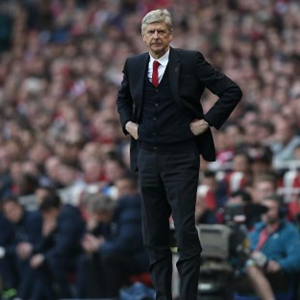 The Bolton News: Arsene Wenger is determined to stop Arsenal's season from fizzling out