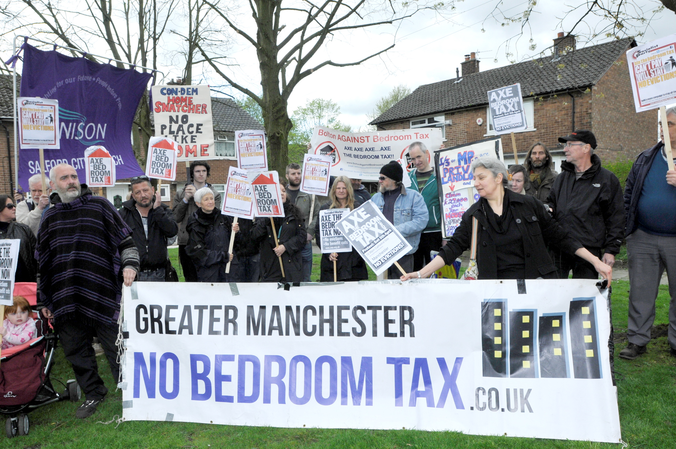 Anti-bedroom tax campaigners claim victory after eviction reprieve