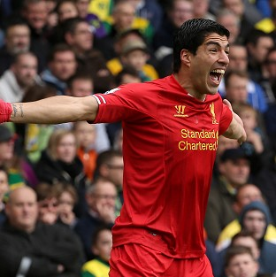Suarez wins writers' award