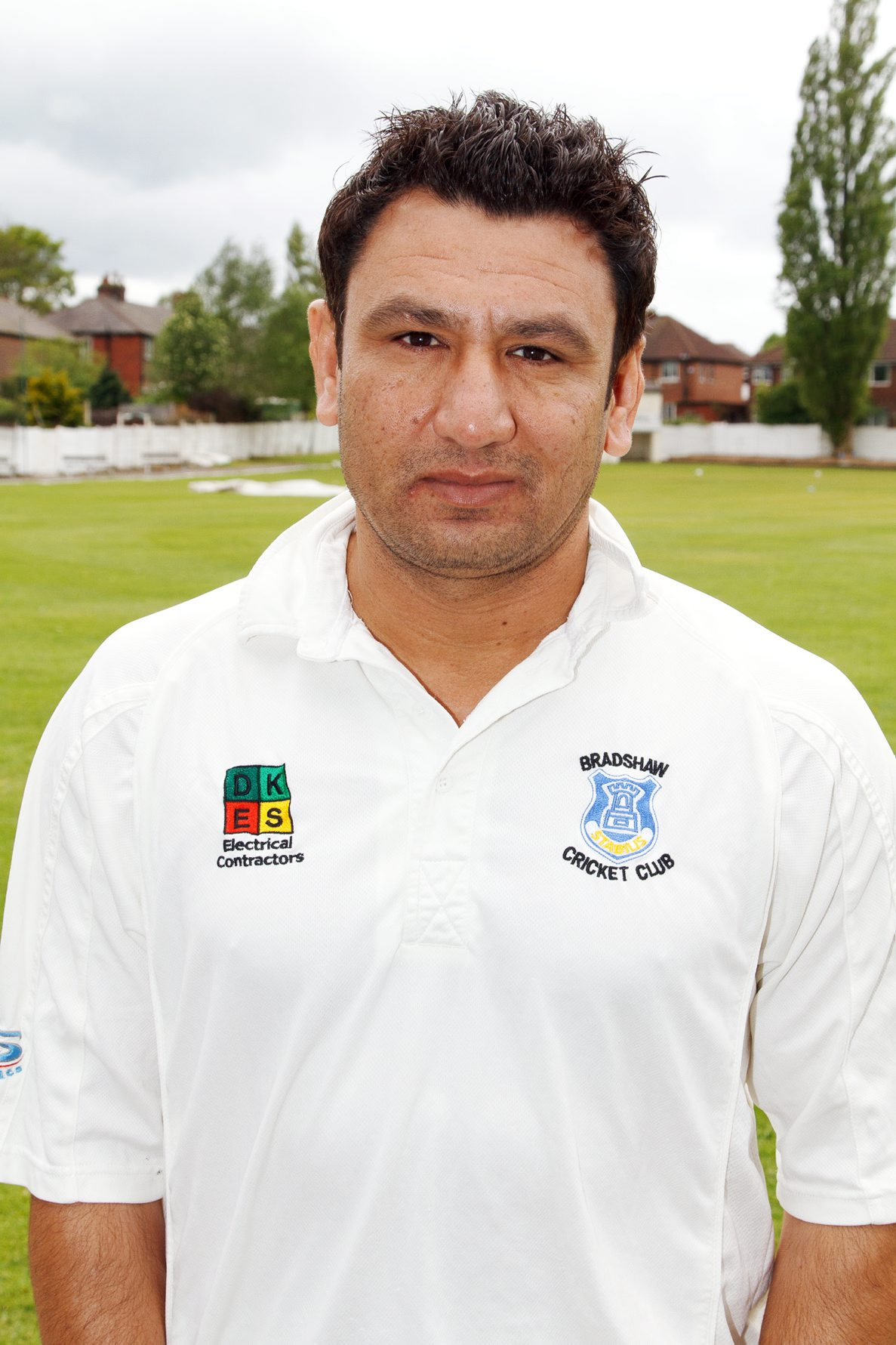 Bradshaw captain Saeed Anwar Jnr took six wickets and two catches in the win against Heaton