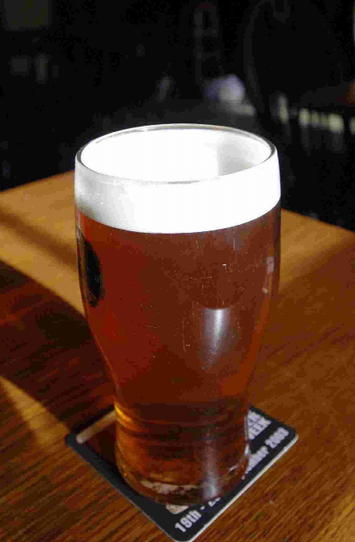 Beer-lovers welcome new rules to help pubs