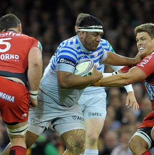 Mako Vunipola, centre, receives scan results on Tuesday