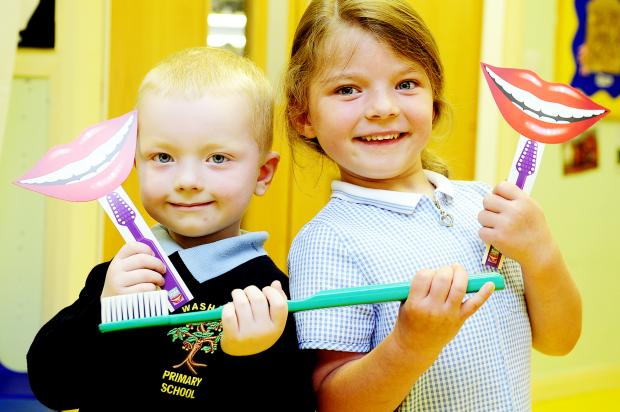 The Bolton News: Bailey Woodward, aged four and Lexie Bushell, aged five