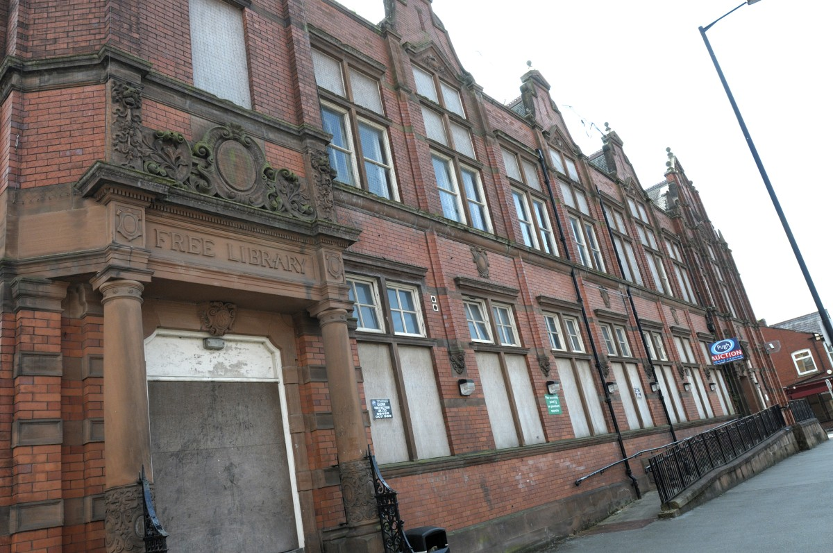 Part of former Leigh college building to go under the hammer