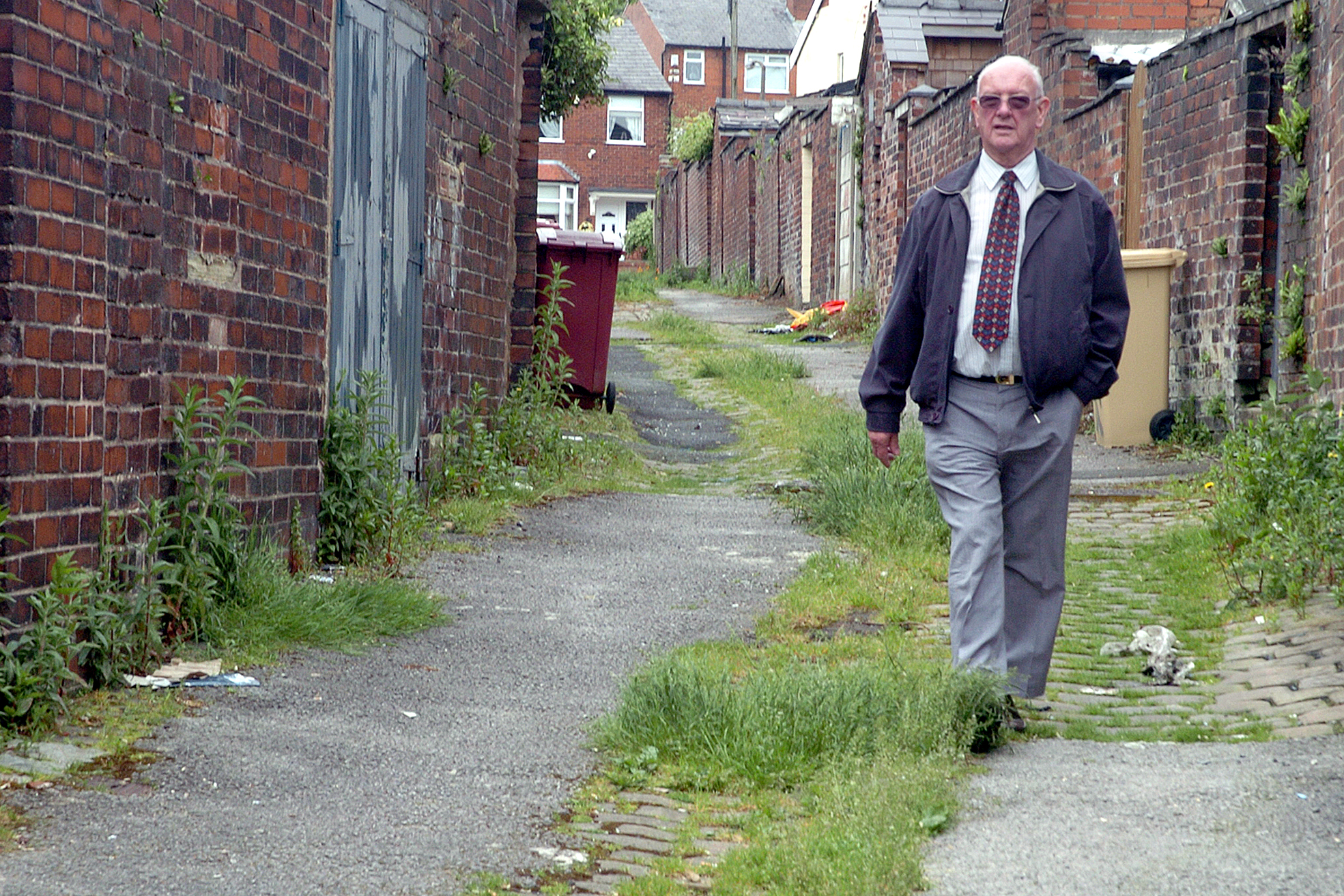 Horwich street compared to something out of 'third world' - but councillor thinks it's 'nice and green'