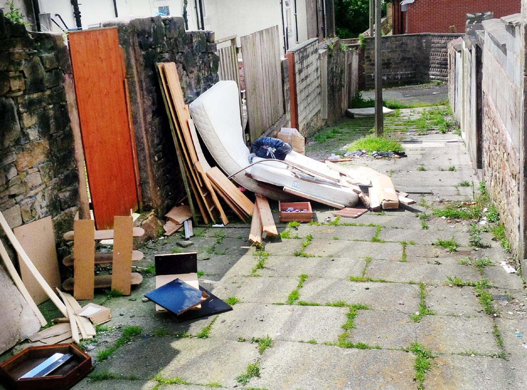 Crackdown on people who dump rubbish in back streets
