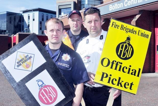 The Bolton News: Firefighters take part in 24 hour strike