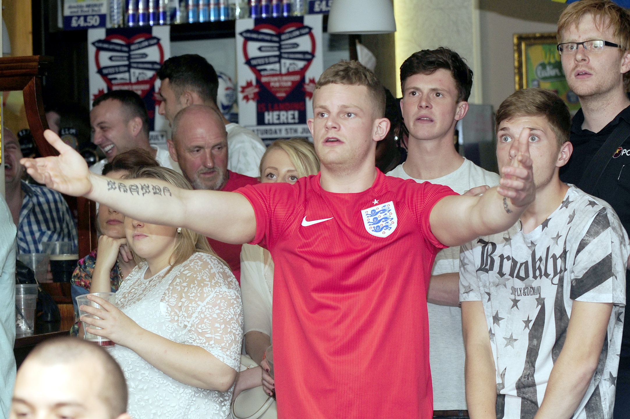 Bolton fans dejected as Suarez sinks England