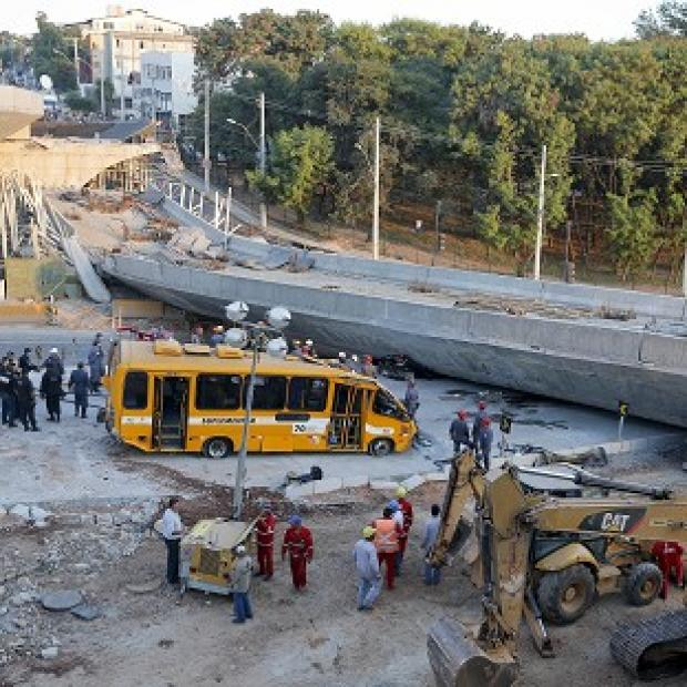 The Bolton News: A probe is underway after an overpass collapsed in Belo Horizonte killing two (AP)