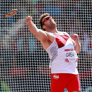 Greaves grabs discus gold