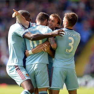 West Ham's Mauro Zarate, second left, celebrates with scoring West Ham's opener