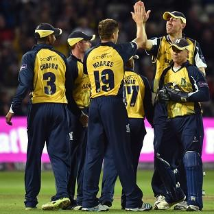 The Bears clinched a four-run victory over Lancashire in the final