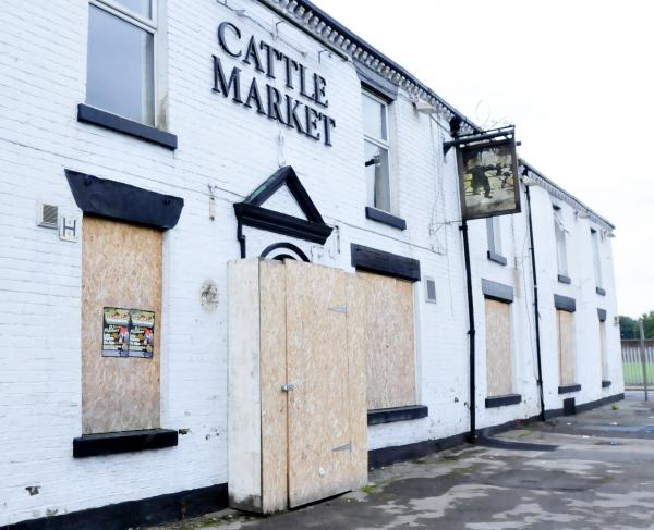 UPDATED: Suspected arson attack at derelict town centre pub