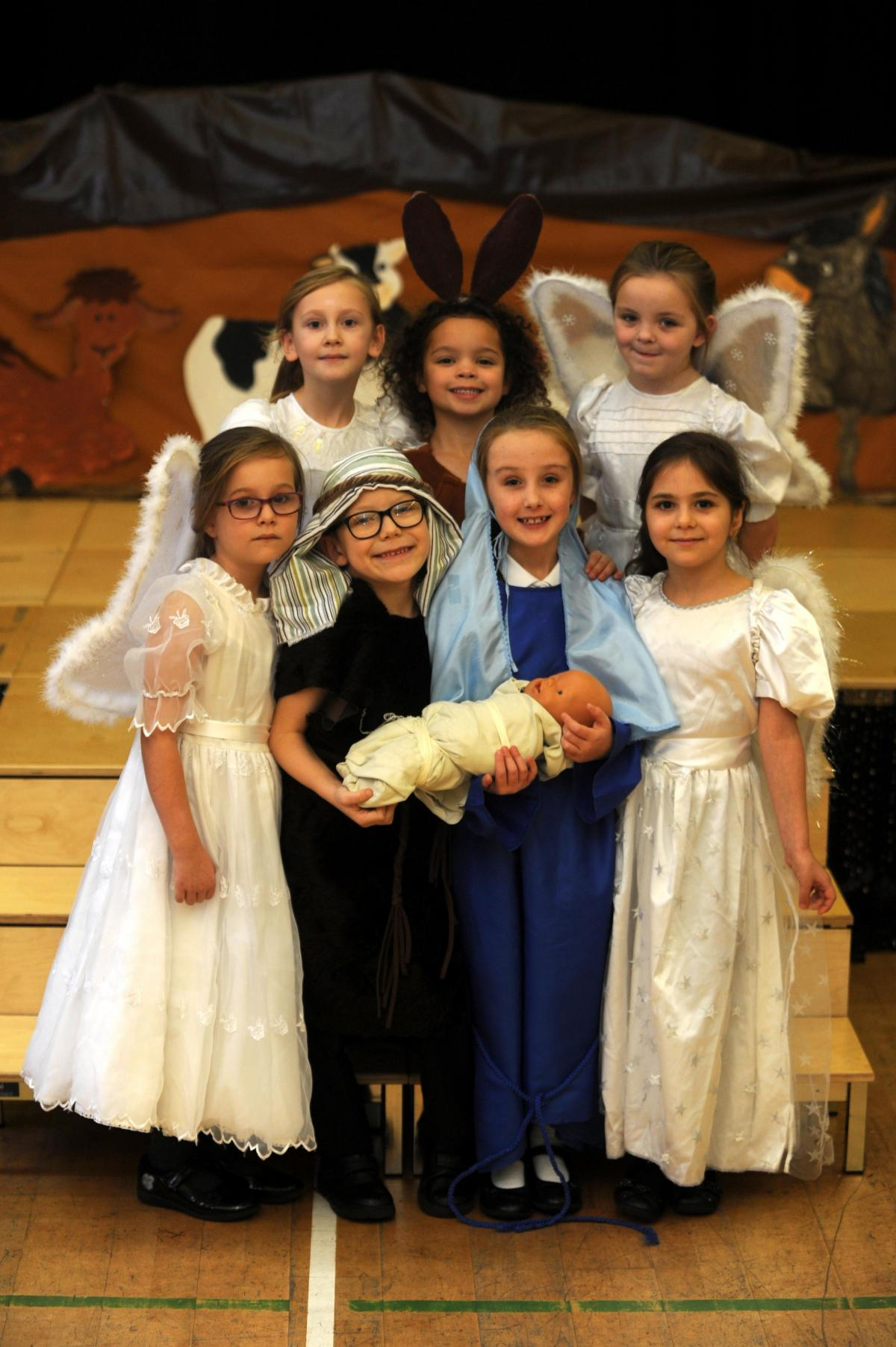 Christmas Plays For Schools.Pictures Children S Nativity Plays Bring Magic Of Christmas