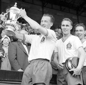 Bryan Edwards, pictured behind Nat Lofthouse as he lifts the FA Cup in 1958, has passed away at the age of 85