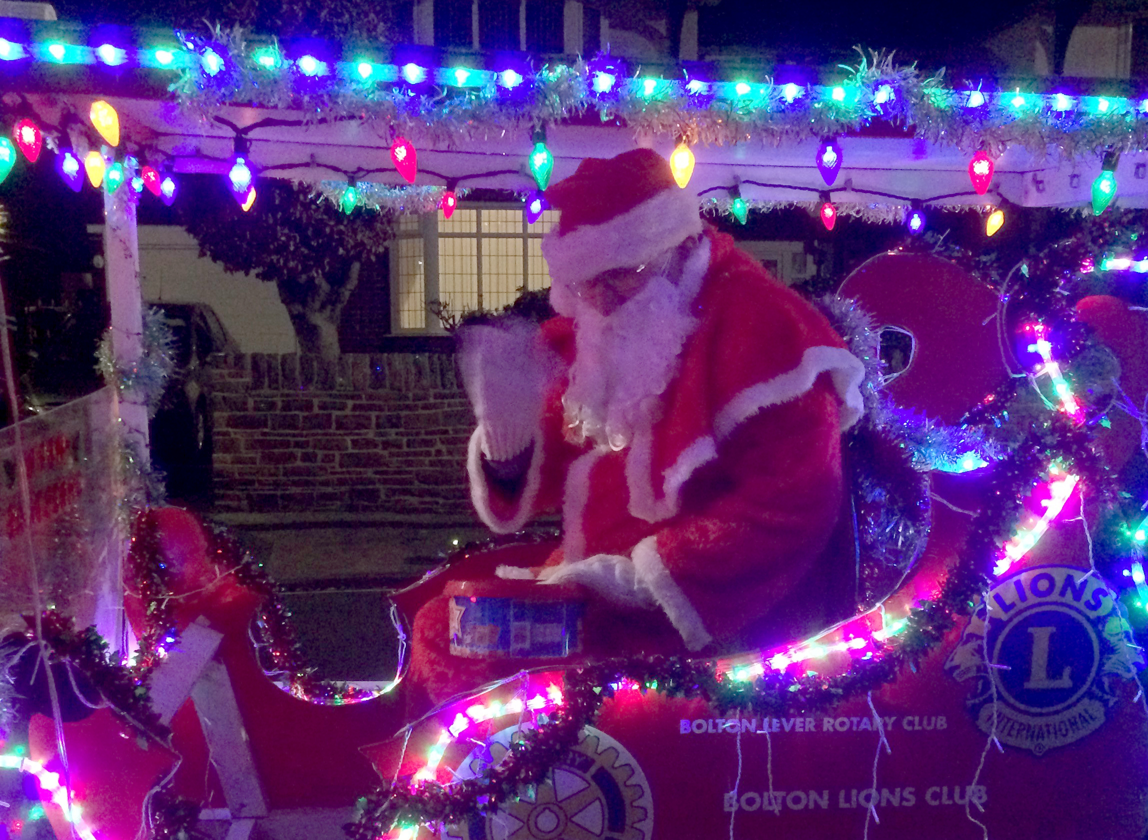 Teenage yobs hurl abuse and obscenities at Father Christmas during sleigh parade