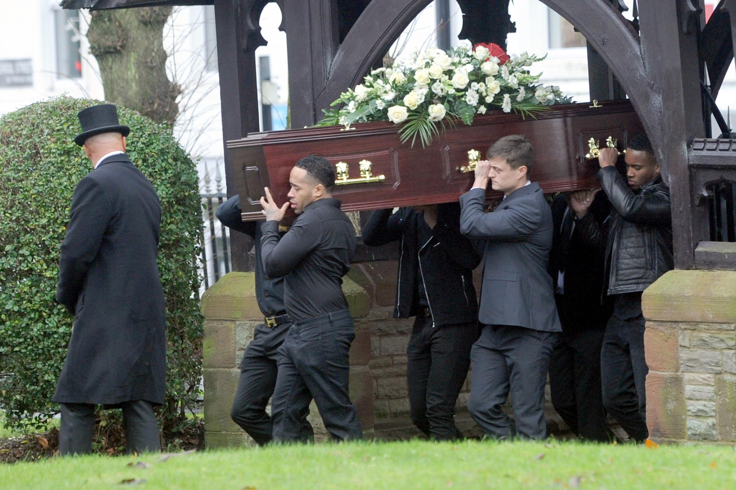 Hundreds of mourners attend funeral for shooting victim michael hundreds of mourners attend funeral for shooting victim michael blake izmirmasajfo