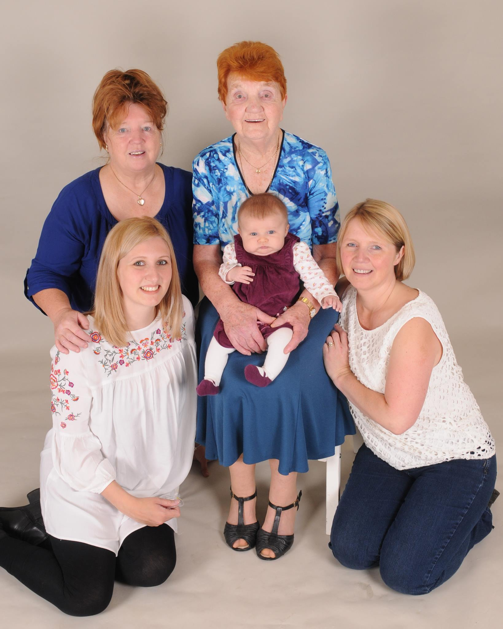 5 generations of family photographed at DRB Photos on Elliott