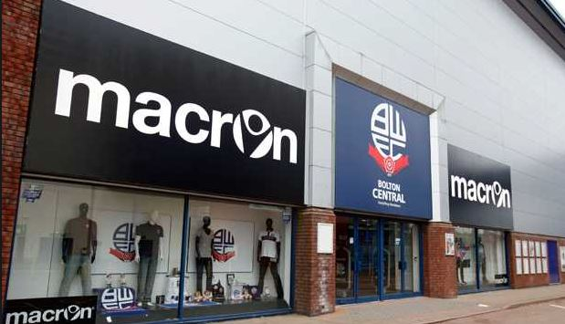 Wanderers will be doing an autograph and photo session at Bolton Central