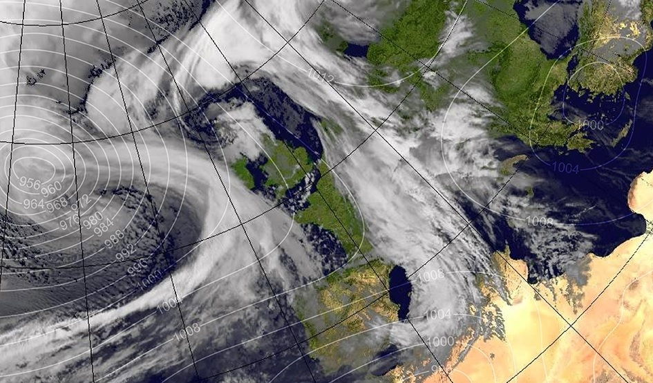 Storm Brian expected to batter the UK coast