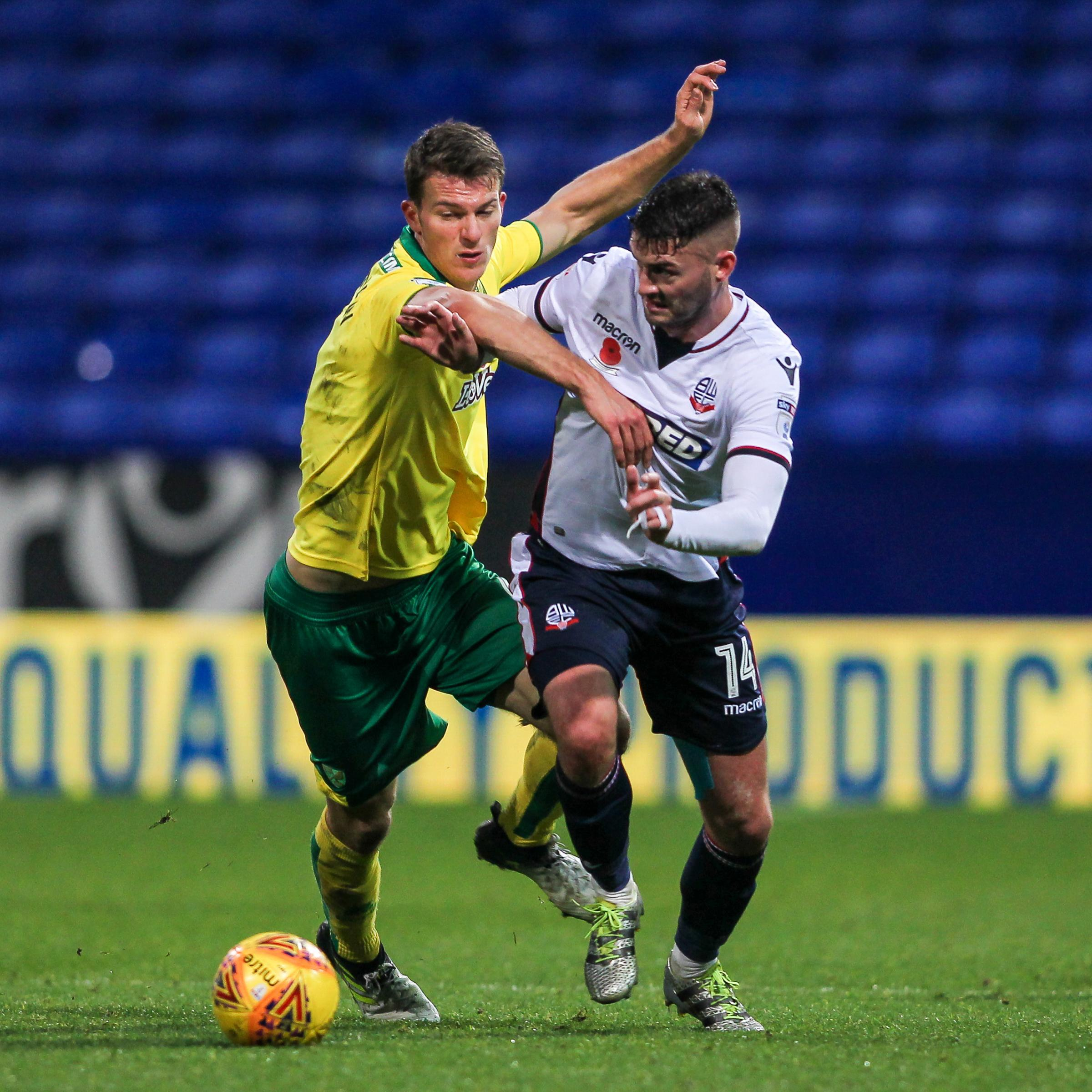 Bolton Wanderer's Gary Madine competing with Norwich City's Christoph ZimmermannPhotographer Andrew Kearns/CameraSportThe EFL Sky Bet Championship - Bolton Wanderers v Norwich City - Saturday 4th November 2017 - Macron Stadium - BoltonWorld Copyri