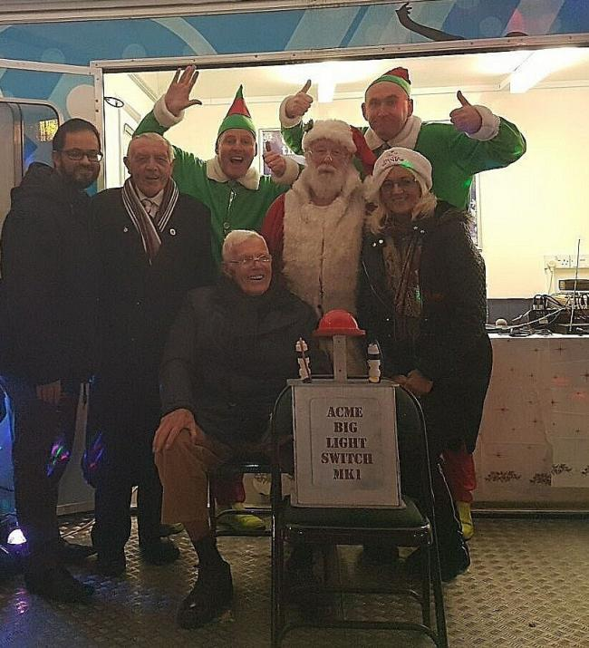 festive wanderers legend tommy banks turns on farnworth christmas lights with santa ward councillors - Tommy Christmas