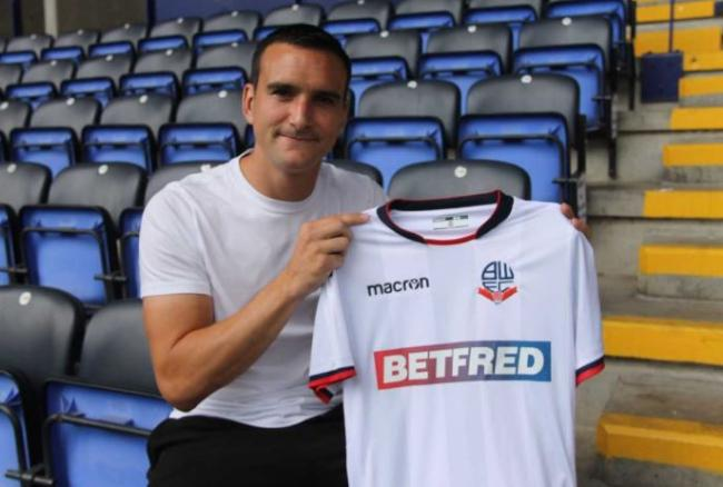Jack Hobbs has signed a one-year deal with Wanderers