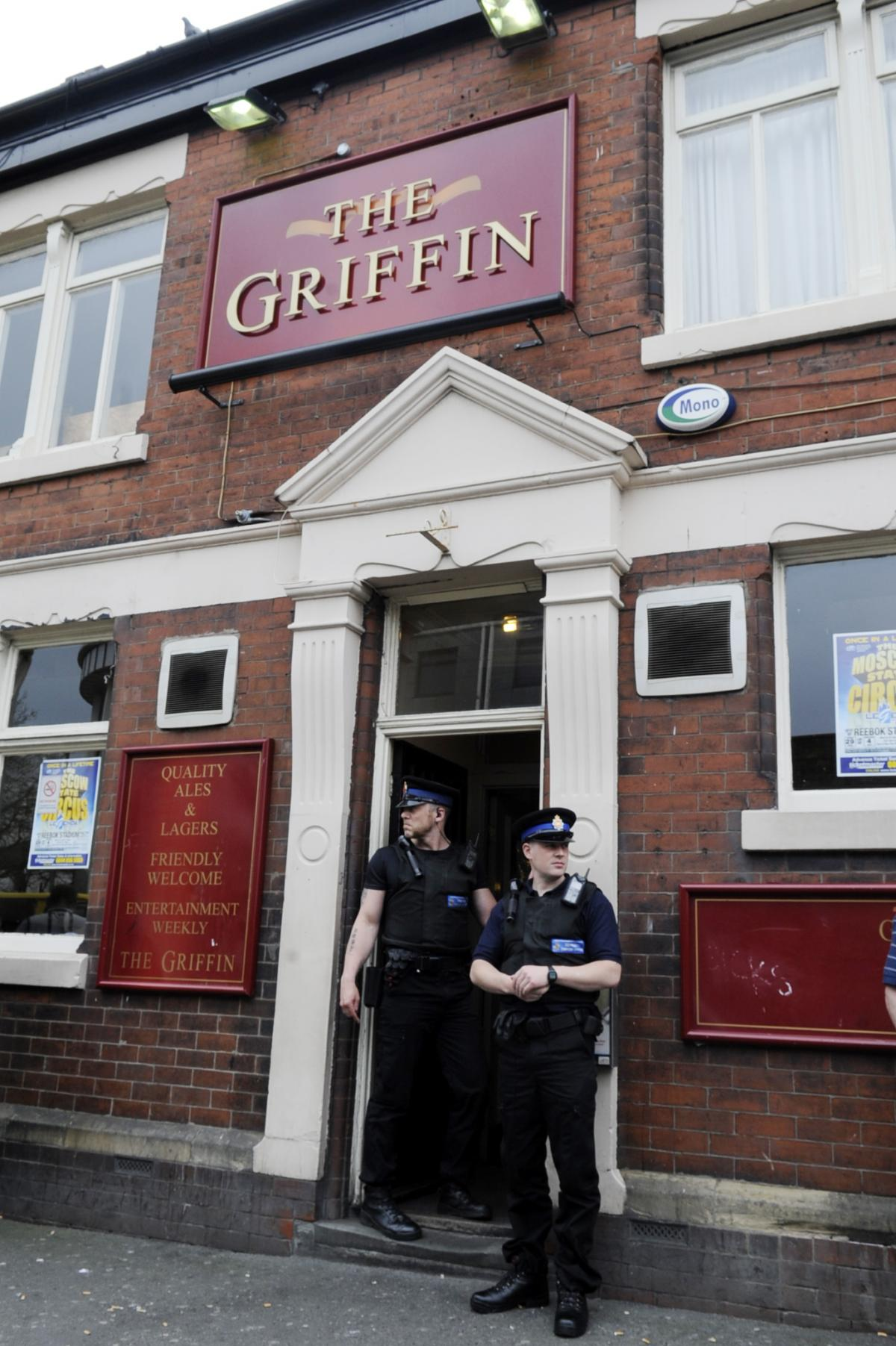Bolton pub raided in hunt for drugs | The Bolton News