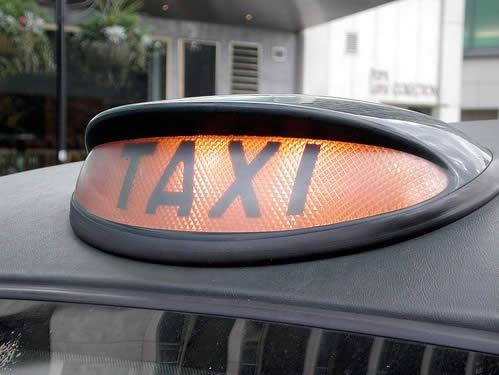 Risk warning over deregulation of taxi operators