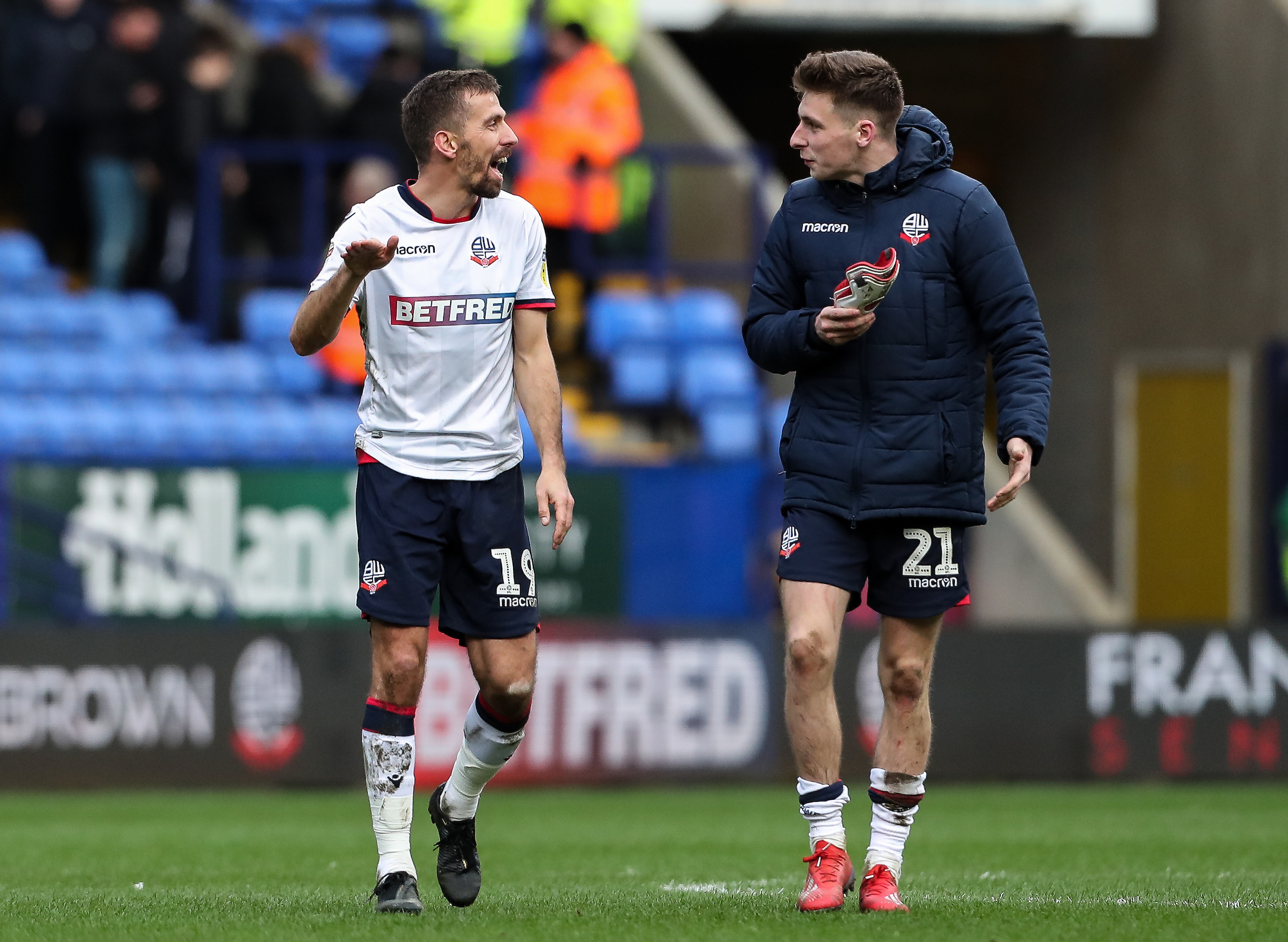Gary O'Neil and Joe Williams have a chat after the final whistle against Millwall