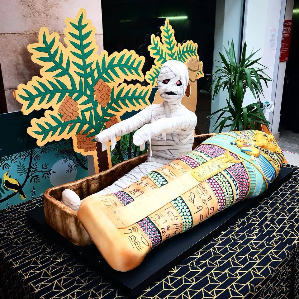 Incredible Channel 4 Show Brings Egyptian Mummy To Boltons Market Place Funny Birthday Cards Online Necthendildamsfinfo