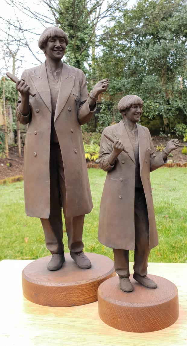Victoria Wood Statue Unveiling In Comedy Star S Home Town Of Bury The Bolton News